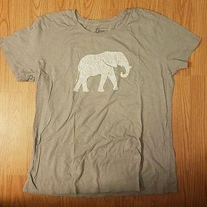 🎉2/$10🎉 Bass elephant tee